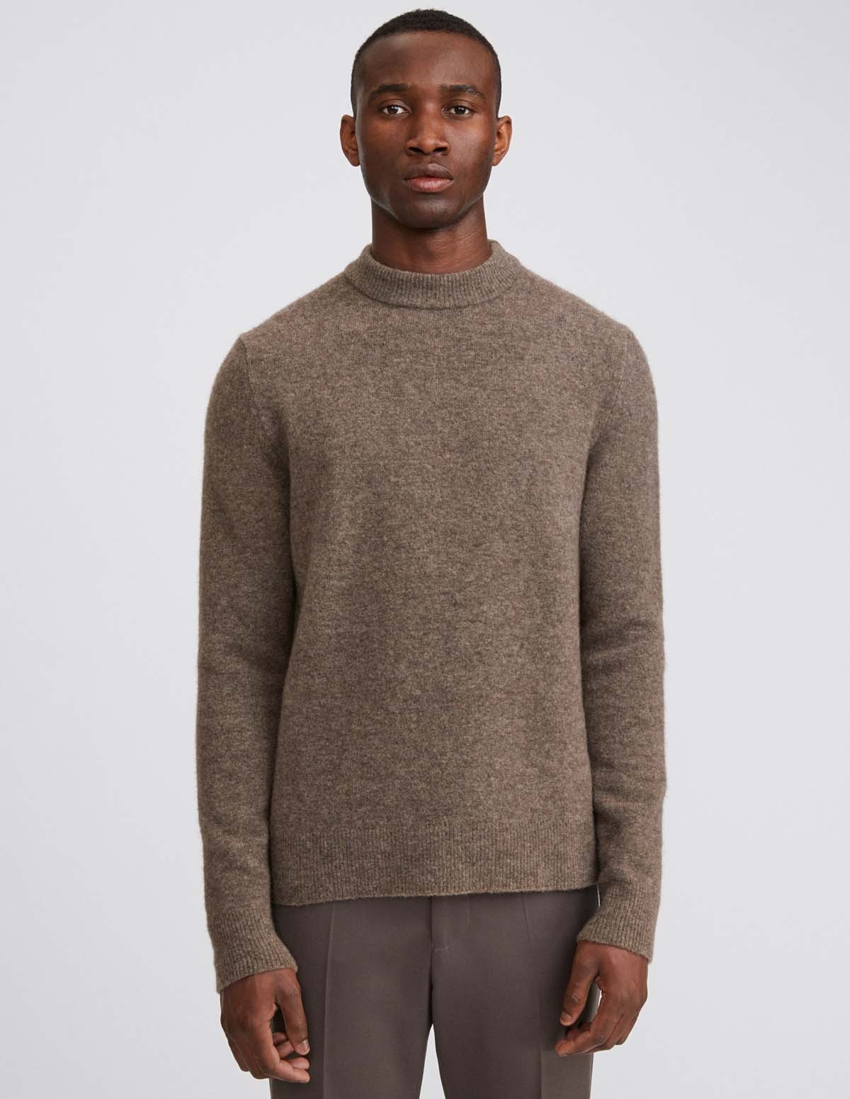 Yark R Neck Sweater - DARK TAUPE