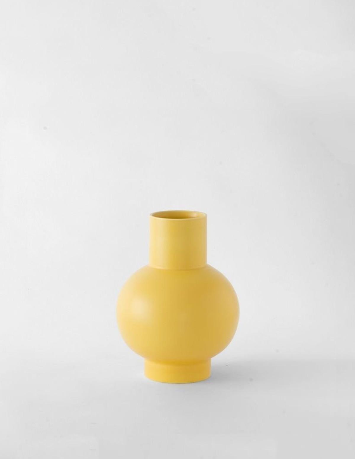 Raawii Small Vase - FREESIA