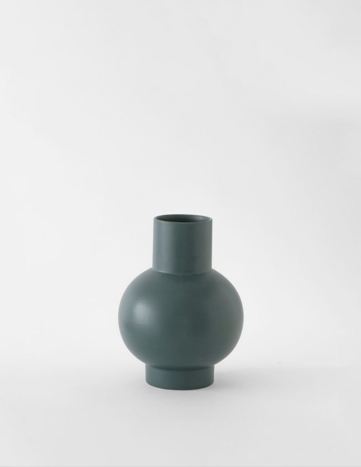 Raawii Small Vase - GREEN GABLES